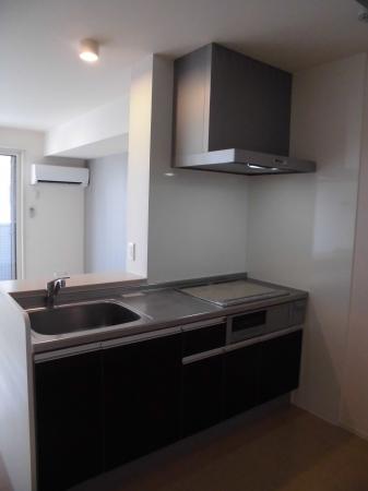 リバーサイド・ヒル 303号室のキッチン
