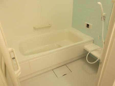 リバーサイド・ヒル 303号室の風呂