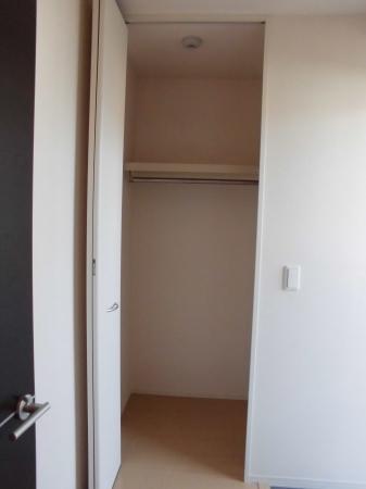リバーサイド・ヒル 303号室の収納