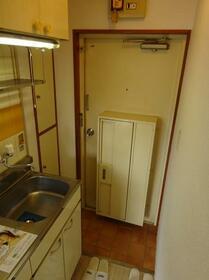 メゾン・ド・ペルシュ 0407号室の玄関