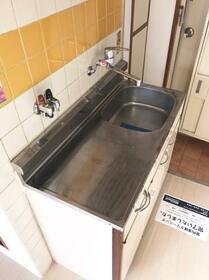 メゾン・ド・ペルシュ 0407号室のキッチン