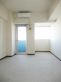アクシルコート新大橋 00813号室のリビング