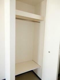 アクシルコート新大橋 00813号室の収納