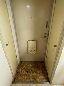 ユースフル下落合 206号室の玄関