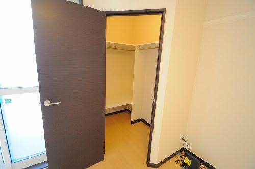 レオネクストメール西門 204号室の収納