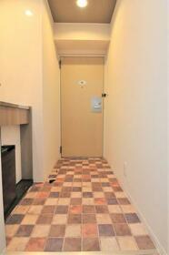 ウエストインパート18 0310号室の玄関