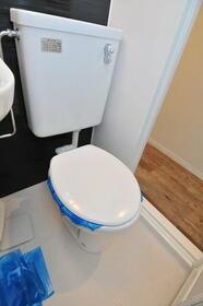 ウエストインパート18 0310号室のトイレ