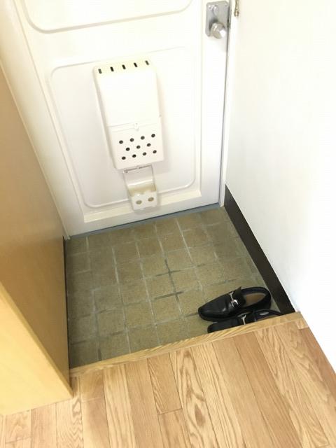 神明富士美マンション 103号室の玄関