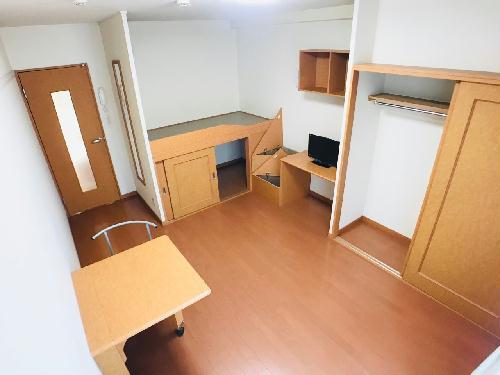レオパレスアゼリアK 104号室の玄関