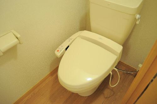 レオパレスグッディ 201号室のトイレ