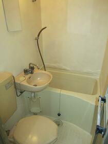 ルミエール朝倉 102号室の風呂