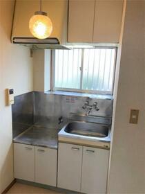 メゾンプラシード 201号室のキッチン
