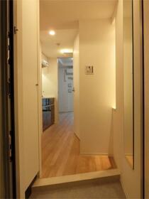 ZOOM東神田 403号室の玄関