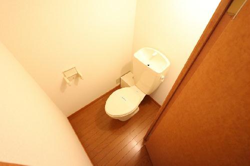 レオパレス上穂積 114号室のトイレ