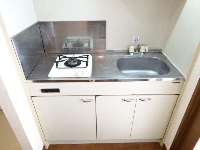 サン・コート麦野 102号室のキッチン