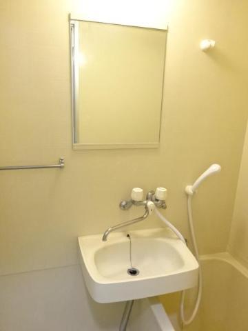 サン・コート麦野 102号室の洗面所