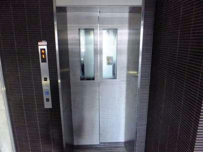 レオパレス三井田 703号室の玄関