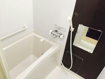 レオネクストルシェリア 101号室の風呂