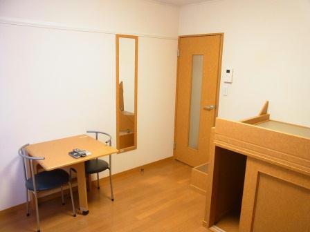 レオパレスエストゥベンダ 111号室の洗面所