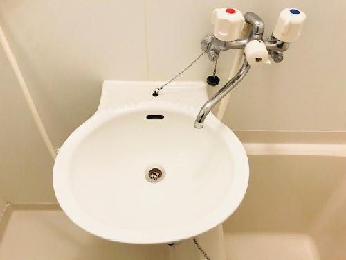 レオパレスラーク取手 105号室の洗面所