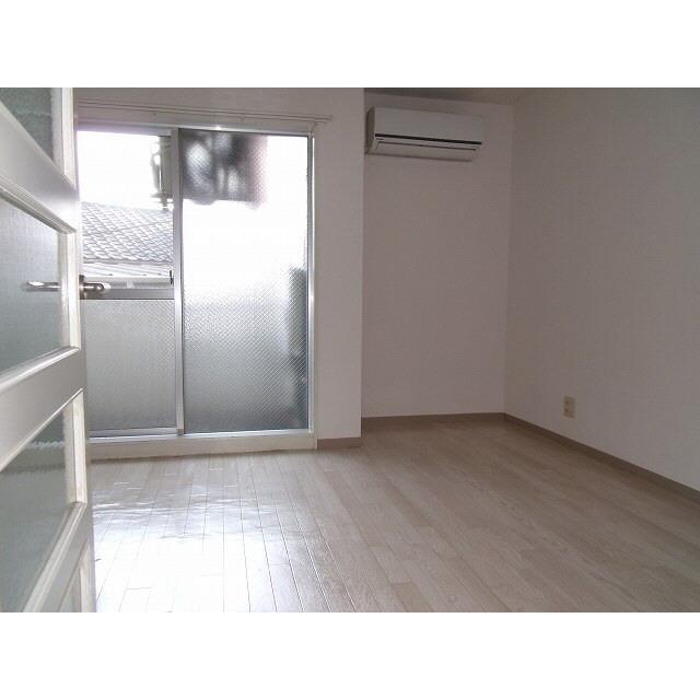 プレール椎名町 303号室の居室