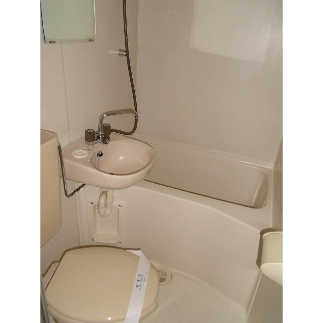 プレール椎名町 303号室の風呂