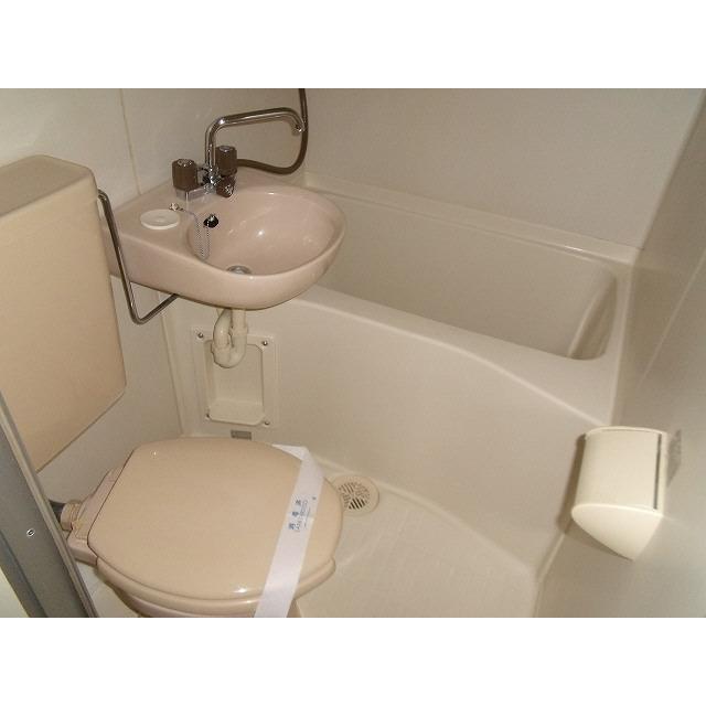 プレール椎名町 303号室のトイレ