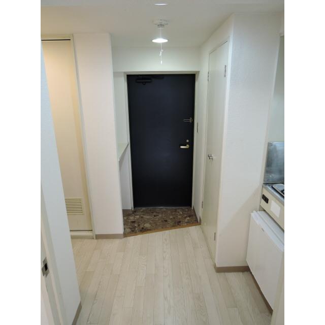 プレール椎名町 303号室の玄関