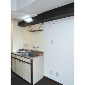 メゾン・ド・プラティーヌ 202号室のキッチン