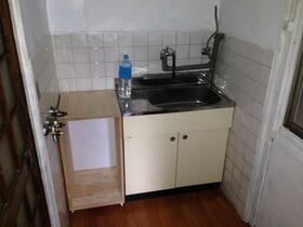 神泉苑荘 101号室のキッチン