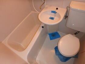 ウエストハイム国領 0101号室の風呂