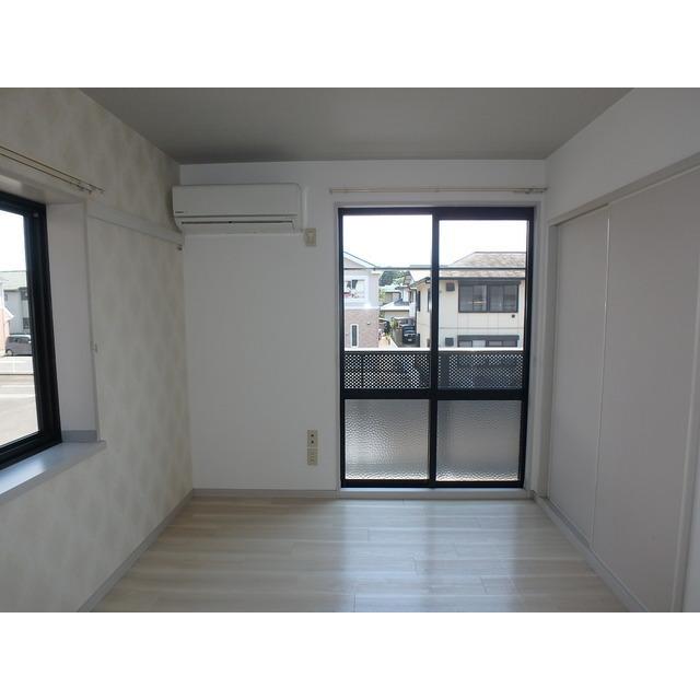 エスペランサ豊城B 201号室のリビング