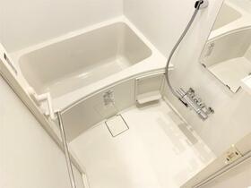 ZOOM横浜関内 203号室のバルコニー