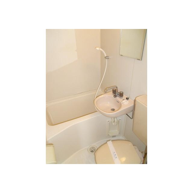 プレール椎名町 104号室の風呂