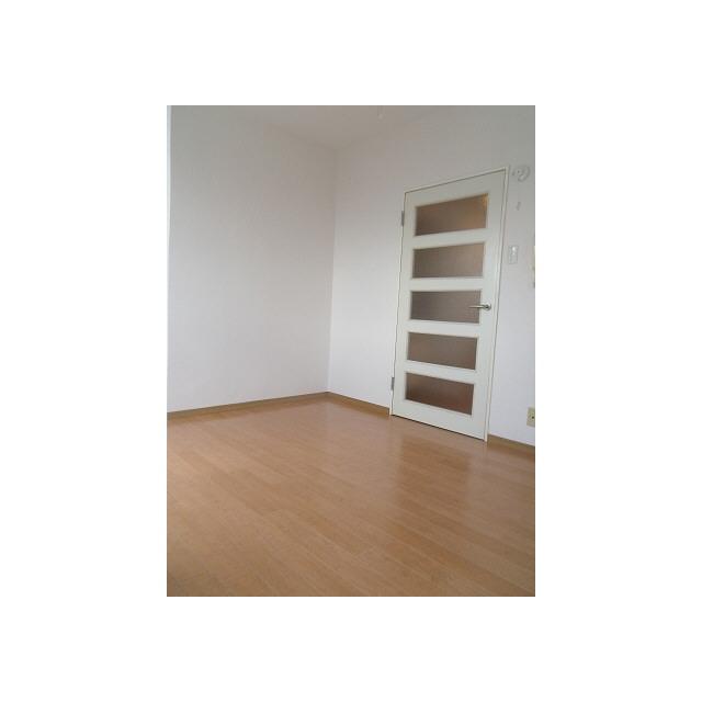 プレール椎名町 104号室の玄関