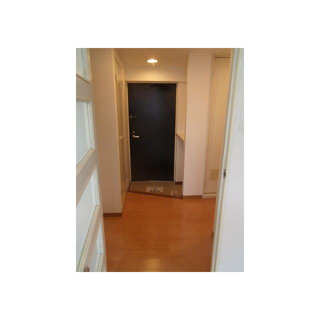 プレール椎名町 104号室の居室