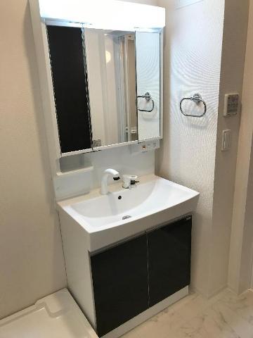 リヴィエール南別府 205号室の洗面所
