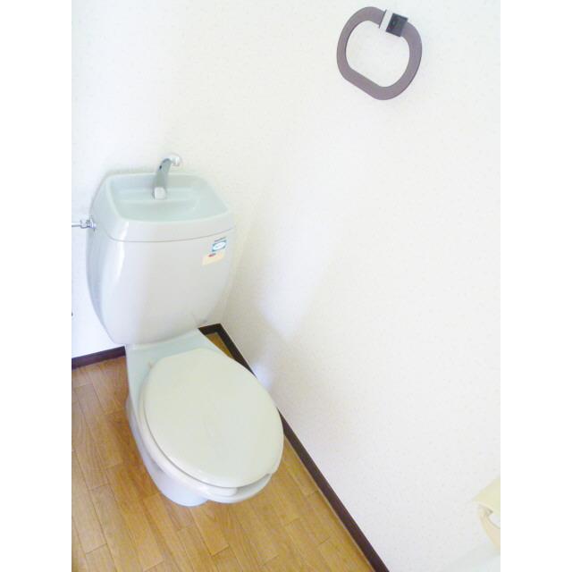 サニーエステート2F 201号室のトイレ