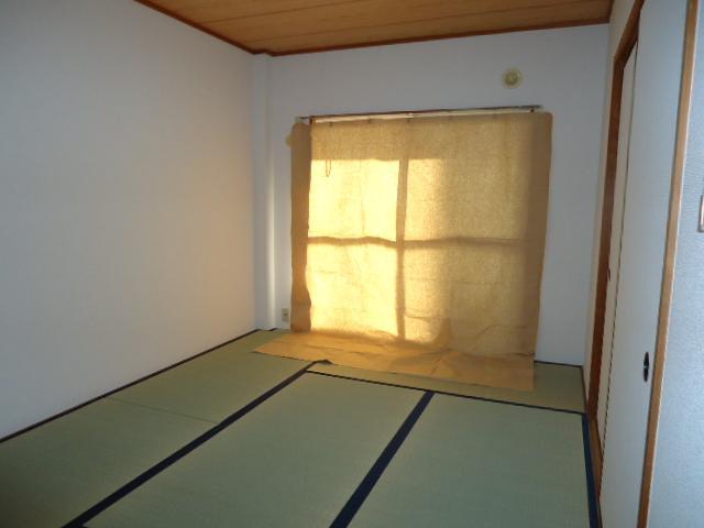 ミロワール 00102号室の玄関