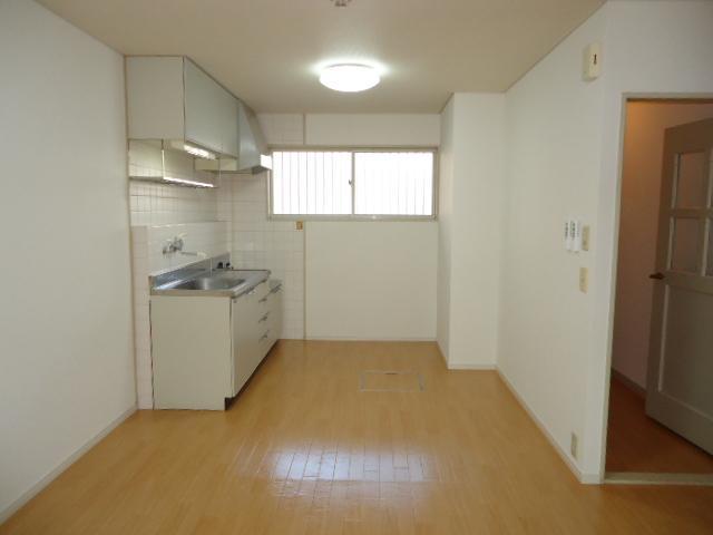 ミロワール 00102号室のリビング