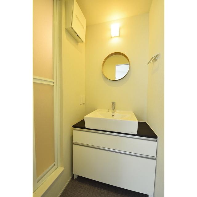 グランエッグス池袋要町 01号室の洗面所