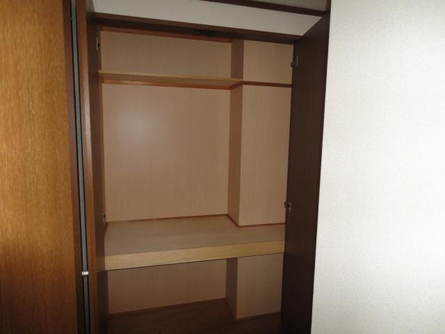 コロナハイツ 202号室の収納