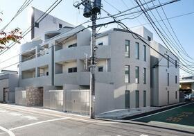 B CITY APARTMENT SHINJUKU NWの外観