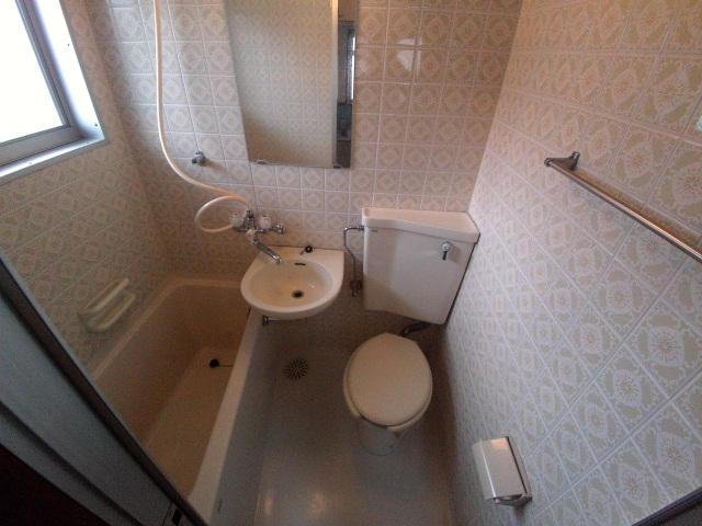 ニューコーポ伊賀 201号室の風呂