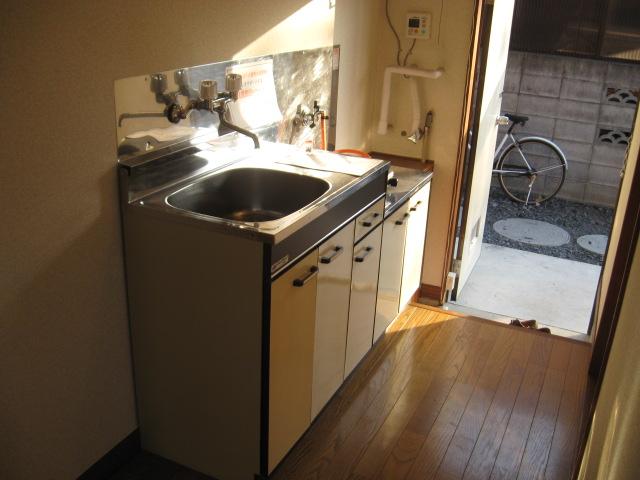 ルミエハイツ 101号室のキッチン