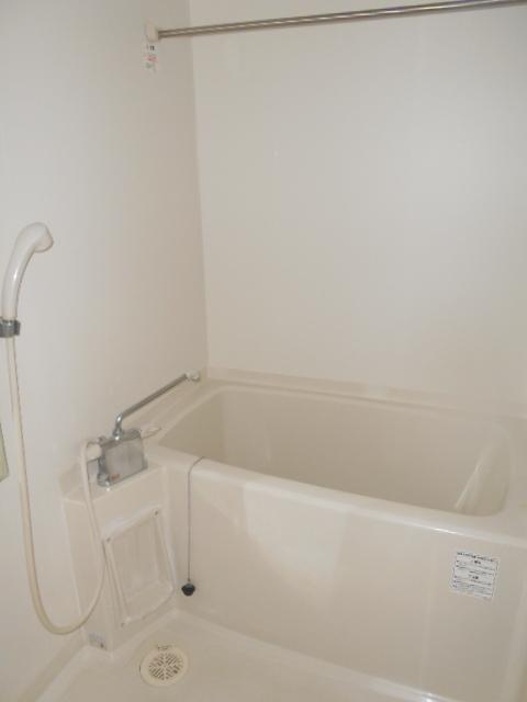 ルーチェ八事 202号室の風呂