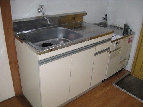 ファミーユ池谷 203号室のキッチン