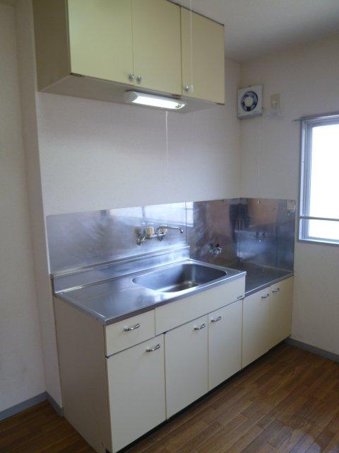 マンションヒカリⅡ 402号室のキッチン