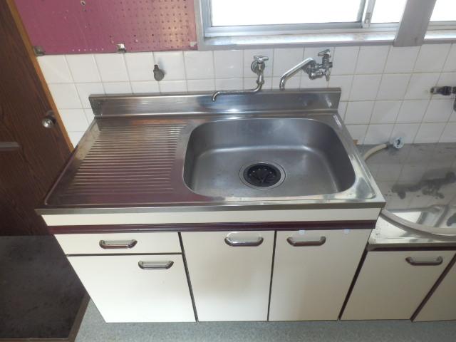 第2上中荘 205号室の洗面所