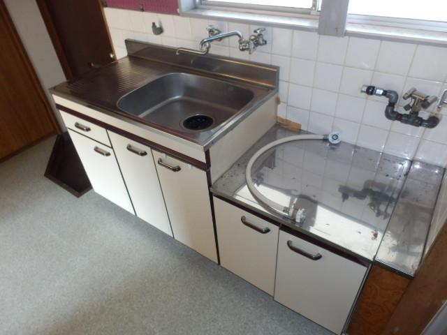 第2上中荘 205号室のキッチン
